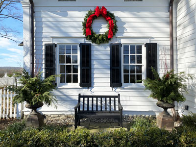 Holiday Potting - Urns & Wreath